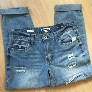Dollhouse Distressed Boyfriends Jeans, 11